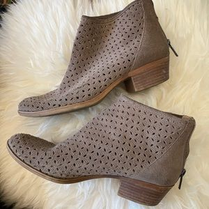 Lucky Brand suede cutout booties in taupe